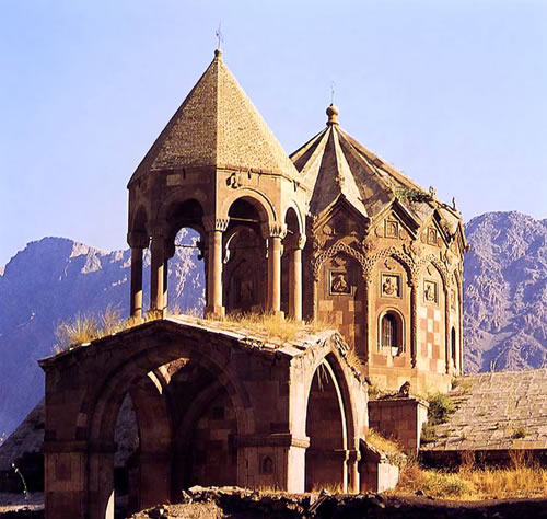 st-stephanos-medieval-armenian-monastery-in-northern-iran